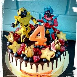 Торт Трансформеры с фруктами_1