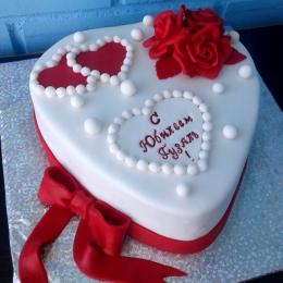 Торт Сердце красно-белый_1