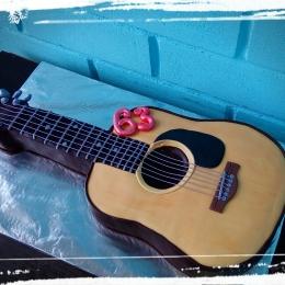 Торт гитара_1