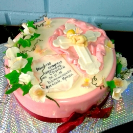 Торт с крестиком и цветами_1